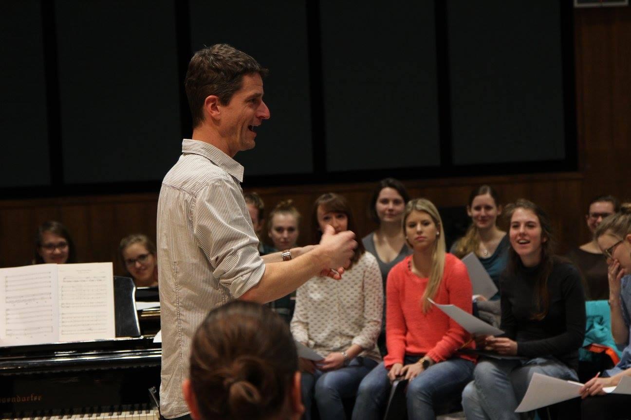 """""""Nicht wie im Radio"""" – Christoph Wigelbeyer zu """"Let us entertain you – NWS goes Pop"""""""